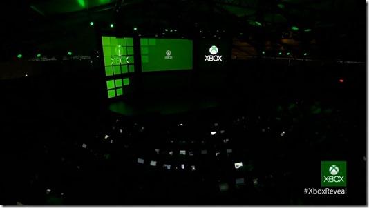 The Next Xbox Revealed - GameSpot_com -[8].flv_snapshot_00.01.34_[2013.05.21_13.10.23]